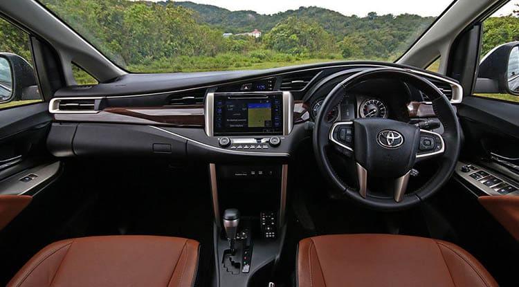 Luxury TOYOTA INNOVA CRYSTA 7 Seater Taxi Service